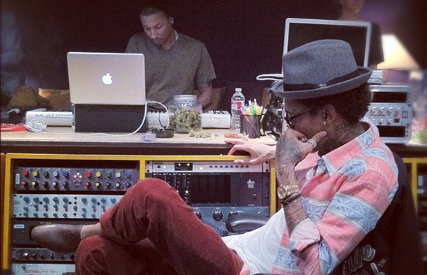 Video: Wiz Khalifa Releases Rise Above
